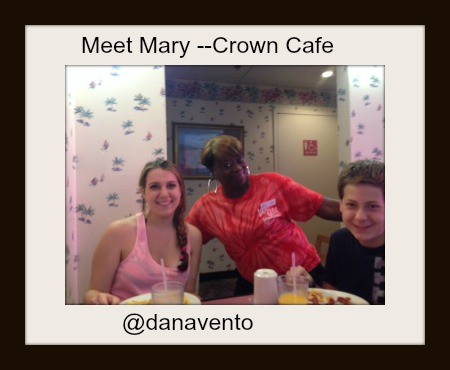http://www.danavento.com/2014/06/welcome-crown-reef-resort/, mary, bob, mike, candice