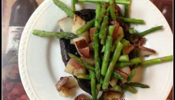 asparagus, portobello, red potatoe, recipe, portobello potato, asparagus recipe, food, food blogger, vegetarian, side dish, healthy, veggies, pan saute, cook, foodie, food blogger, dana vento