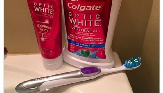 colgate optic white, colgate optic white pen, toothbrush, mouthwash, toothpaste, germs, bad breath, whitening, brightening, whiteseal, beauty, oral hygiene, white, bright, dana vento, easy to use, ad