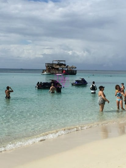 Roatan, Travel, Travel Blogger, Traveling, Vacation, Family Vacation, Victor Bodden Tours, TOurism, monkeys, sun and fun adventure, tours, animals, parrots, west bay beach, shopping, dana vento, tropical, dana travels, international travel, passport travel