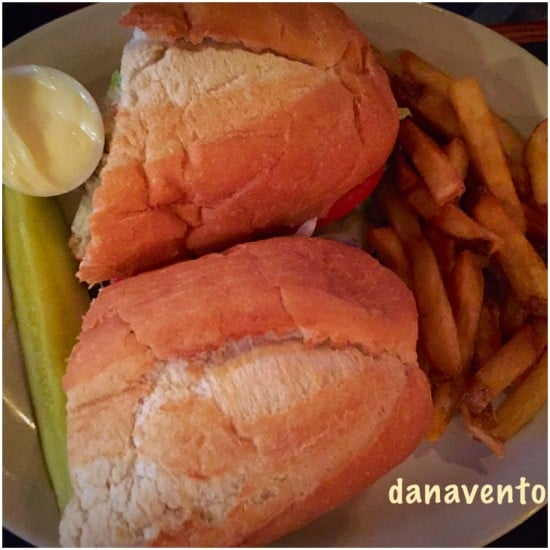 Food, Dining, eating out, pittsburgh, eating out, family, family dining, bar, grill, music, beers, sandwiches, burgers, salads, appetizers, booths, tables, bad parking,