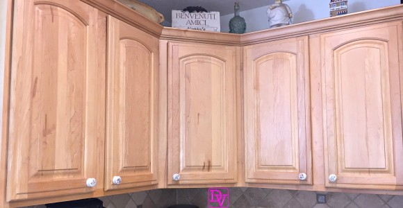 How To Replace Kitchen Cabinet Hardware, diy, diy blogger, project, kitchen, knobs, pulls, handles, easy to do, how to, diy how to, instructions, tips, tricks, decor, upgrading, renovating, home decor,