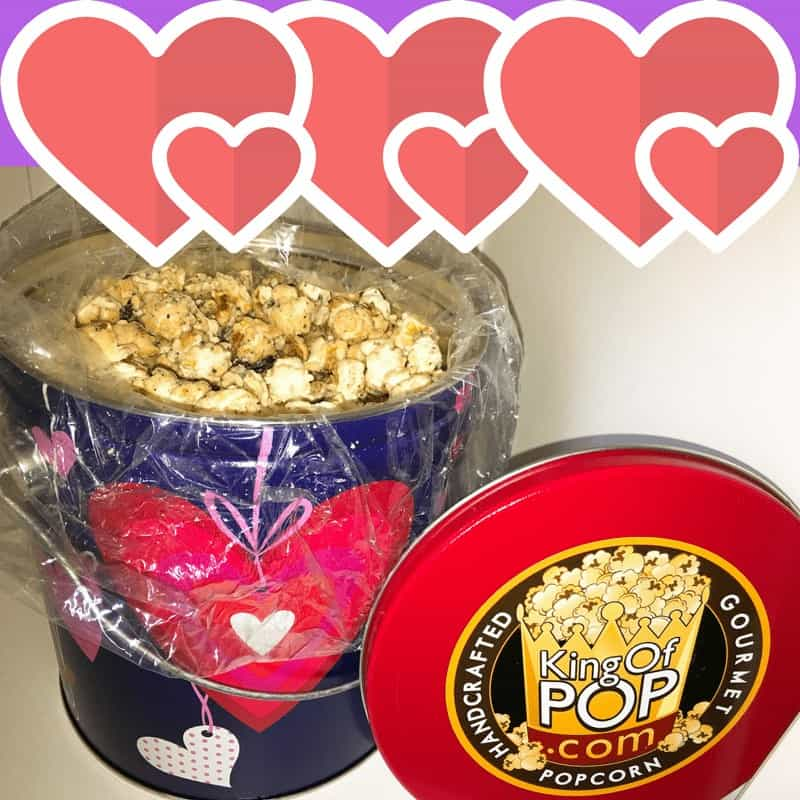 2 gourmet gift ideas, gifting, holiday, valentines, food gift, easy, ship, send, shopping online, fast, delicious, luxurious, lavish, treats, popcorn, chocolate, king of pop, gourmet gifts, cookies n creme, food writer, food blog, easy to buy, easy to send, easy to shop, gifting ideas for foodies,
