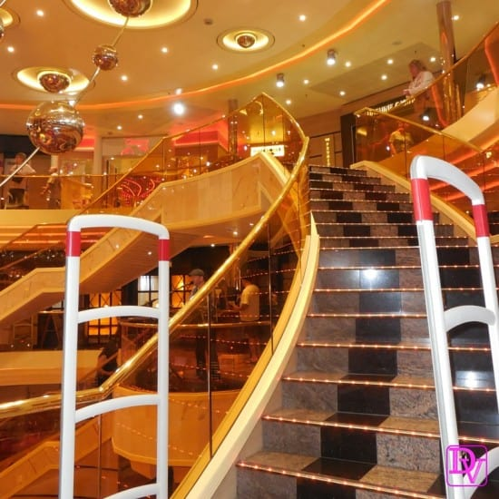 3 tips for finding entertainment on a cruise ship, cruise ship, carnival, norwegian, princess, royal Caribbean,family travel, entertainment, high seas, traveling, adventure, food, bars, clubs, laugh, smile, broadway, singing, dancing, stories, acting