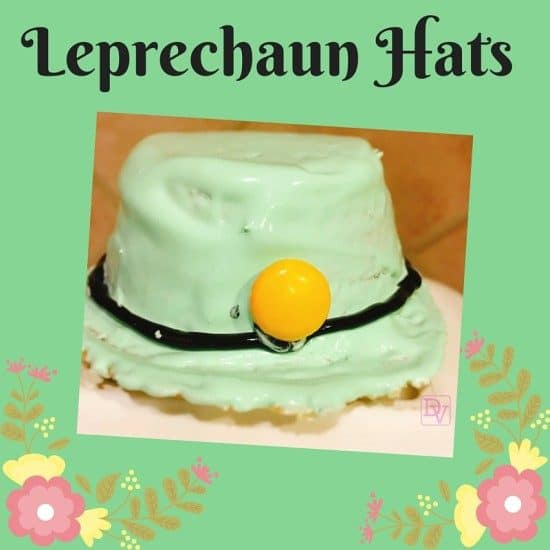 leprechaun hats, leprechaun, icing, cake, cake batter, cupcakes, icing, gel icing, green icing, black gel, candies, hats for st patrick's day, St. Patty's Day, St Patty's, Luck O' The Irish, Green, sweets, treats, diy, diy craft, diy for st. Patrick's day,kitchen, food, baking, baking craft, baking for st. patrick's day, mini hats, lephrechaun hats with cake batter, dana vento, in the kitchen, dana vento food blogger, food blog, recipe, recipes, foodie, food blogger dana vento, diy blogger dana vento