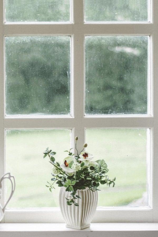 dirty house windows + how to make them streak free