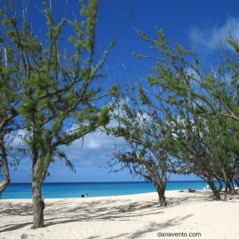Discover Grand Turk and the Governor's beach
