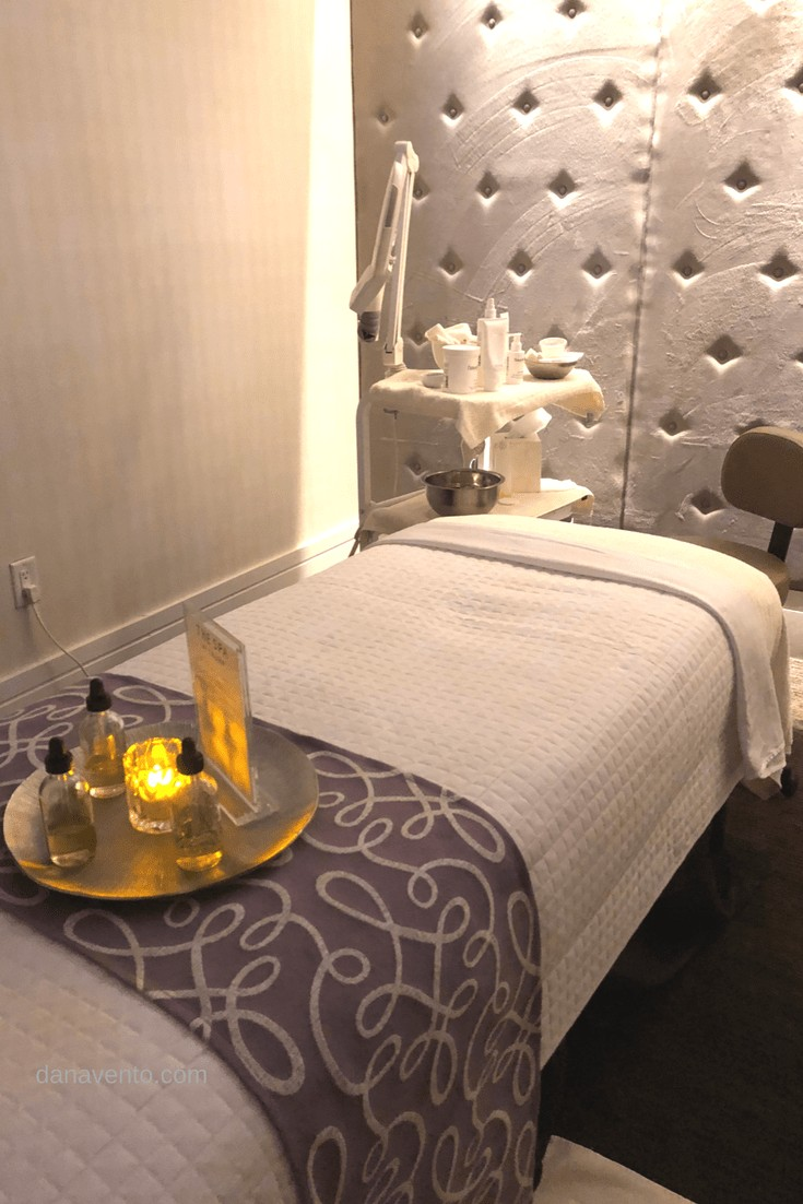 Massage and treatment table