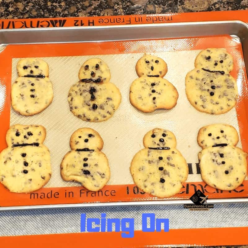 Chocolate Chip Snowman Cookies, Recipe, batter, ingredients, how to video, how to make snowman, Cookie, cookies, for season, October, November, December, February, January, March, snow, fall, winter, seasonal cookie, Holiday Cookie, Christmas cookie, chocolate chip into snowman, by the dropper, silicone mat, how to, video tutorial, parchment, cooking, baking, holiday baking, baking for parties, tips, tricks, easy, fun, holiday spirit, icing, diy holiday baking, Pittsburgh Blogger, Pittsburgh Food Writer, Simple DIY, Baking Mistake