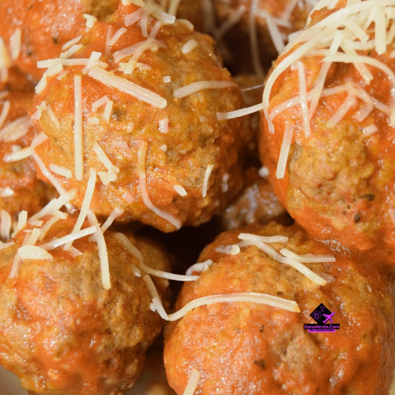meatballs, Italian Food, Pepperoni, Stuffed meatballs, Parmesan, Parties, holidays, families, Sunday Dinner, traditional food, meatballs fast, fast video recipe, video recipe for meatballs, Instant Pot, Electric Pressure Cooker, Cooking, Fast cooking, Holiday Cooking, Gatherings, Sauce, Pasta, How To, Really Easy Instant Pot Pepperoni Stuffed Meatballs