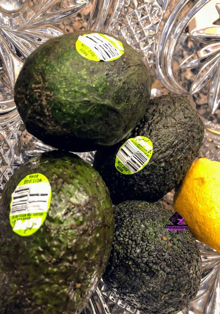 Helping Your Body Go GREEN, Avocado, Ceylon Cinnamon, Chlorphyll, Avocado, health, new year, new you, what to do, bagels without bagels. no bagels, no carbs, workout, cardio, low blood sugar,self help