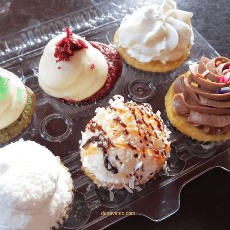 Bayou Country Has Snowballs Crazy Good Cupcakes and a very Bizzare Sculpture Garden You Have To See Cupcakes 5