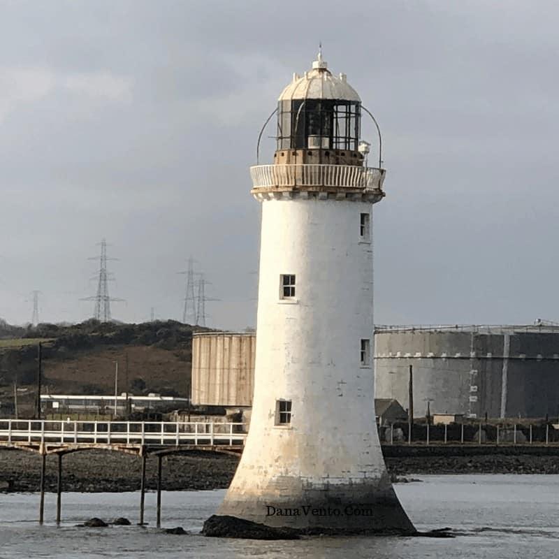 Tarpoon lighthouse in Ireland