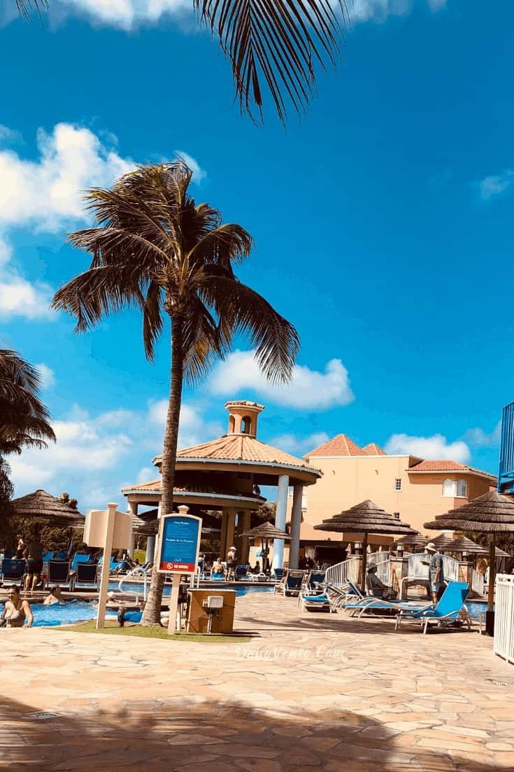 infinity pool at Aruba Resort for Food