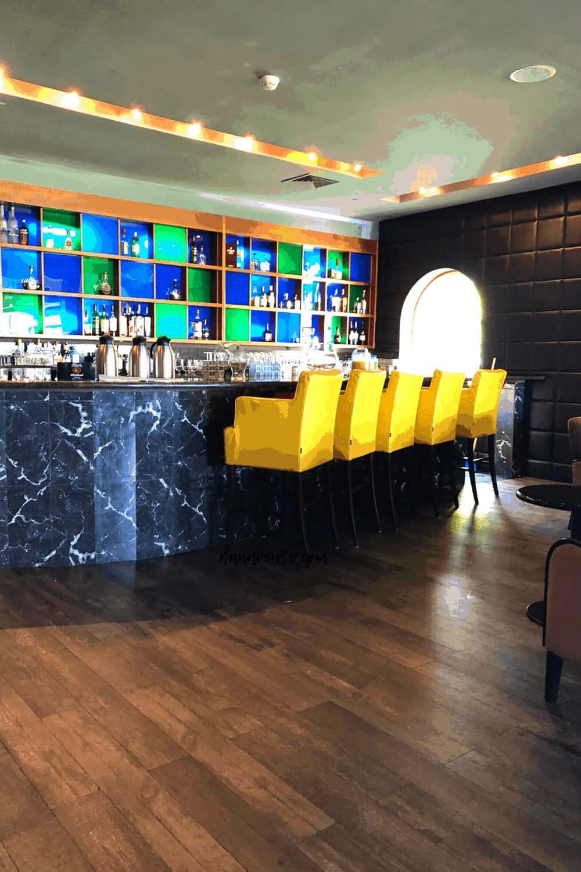 bar area in Windows On Aruba