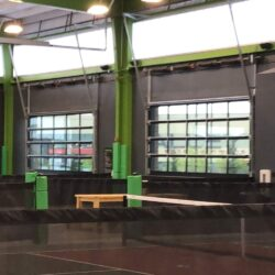 pickleball courts choosing a pickleball paddle for beginners